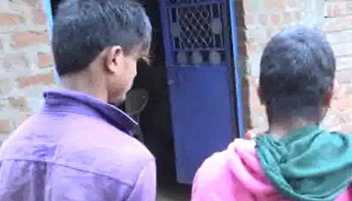 प्रेम विवाह बर्दाश्त न कर सका परिवार, दामाद को बांधकर पेशाब पिलाया, बेटी के बाल काटे