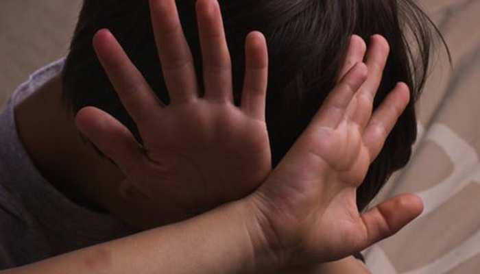 गुरु का गंदा ज्ञान... एक्स्ट्रा क्लास के बहाने बच्चे को रोक हेडमास्टर करता था अश्लील हरकत