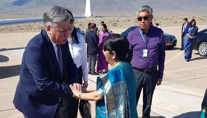 सुषमा स्वराज की किर्गिस्तान की यात्रा समाप्त, उज्बेकिस्तान रवाना
