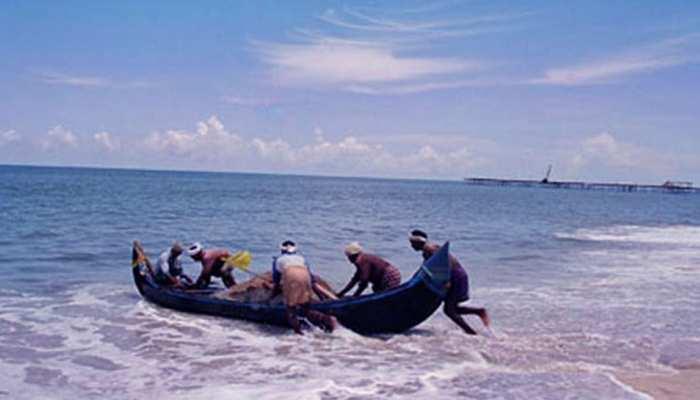 केरल : मछुआरों की नाव को जहाज ने मारी टक्कर, 3 की मौत