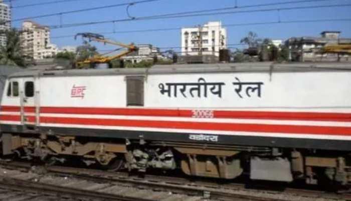 ट्रेनों को समय पर चलाना है, तो प्लेटफार्मों की संख्या और लंबाई बढ़ानी होगी: CAG