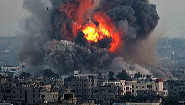 इजरायल ने गाजा में 12 जगहों पर किए हवाई हमले, 3 लोगों की मौत