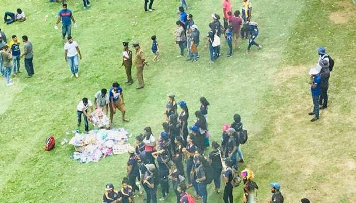 VIDEO: हार के बाद श्रीलंका के फैन्स ने स्टेडियम में किया कुछ ऐसा काम, दुनिया कर रही सलाम