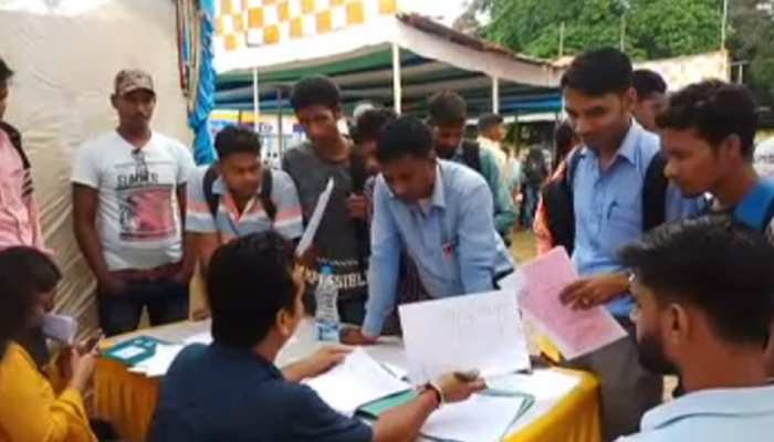 झारखंड : गुमला में लगा रोजगार मेला, युवाओं में जगी नौकरी की उम्मीद