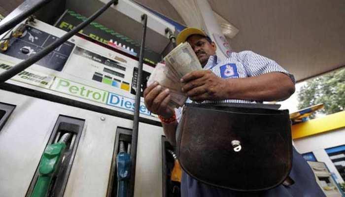 PM ने सुझाया पेट्रोल सस्ता करने का तरीका! नहीं खरीदना पड़ेगा ज्यादा Crude