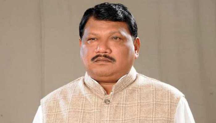 उत्तर प्रदेश: मंत्री ने दिया विवादित बयान, कहा- डॉक्टर भी शूद्र होते हैं