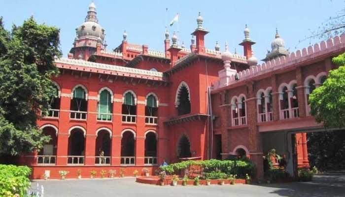 चेन्नई : वकील पति-पत्नी ने हाईकोर्ट जज की कार को किया ओवरटेक, लाइसेंस हो गया सस्पेंड