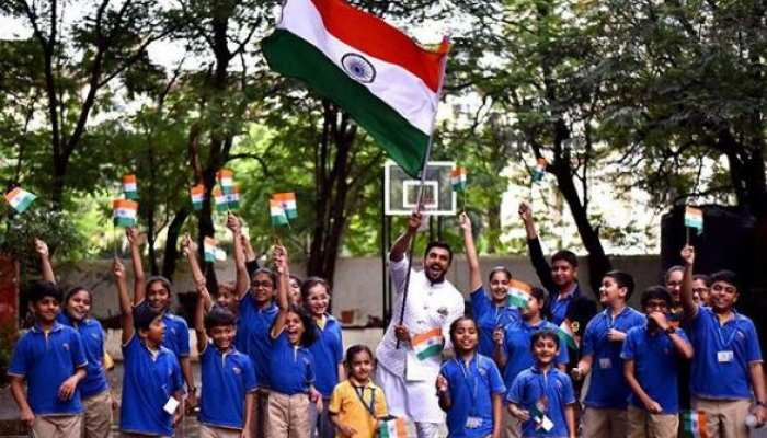 बॉलीवुड सितारों ने स्वतंत्रता दिवस के मौके पर देशवासियों को बधाई देते हुए दिया ये संदेश