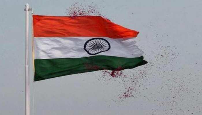 असम क्लब ने 3.5 किमी लंबे राष्ट्रीय ध्वज के साथ रैली निकाली