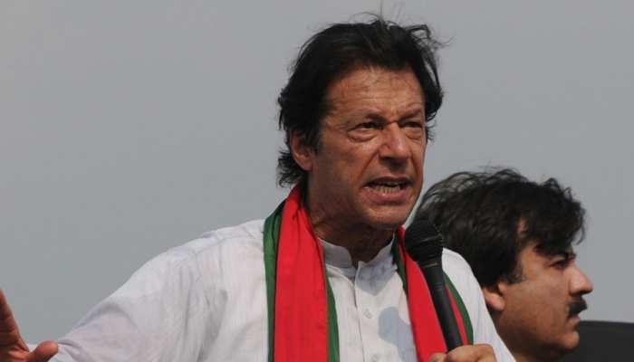 इमरान खान आज पाकिस्तान के 22वें प्रधानमंत्री के रूप में शपथ लेंगे, भारत से पहुंचे सिद्धू