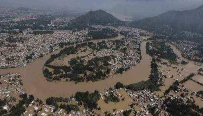VIDEO : प्राकृतिक आपदा से जूझता केरल, आसमान से दिखा बाढ़ का भयावह नजारा