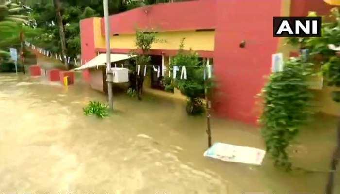 बाढ़ और भारी बारिश से जूझ रहे केरल के लिए मौसम विभाग की तरफ से आई 'राहत' भरी खबर