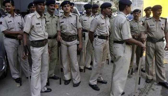 राजस्थान: दो समुदायों के विवाद के बीच पुलिस पर पथराव, बचाव के लिए पुलिस ने किया लाठीचार्ज