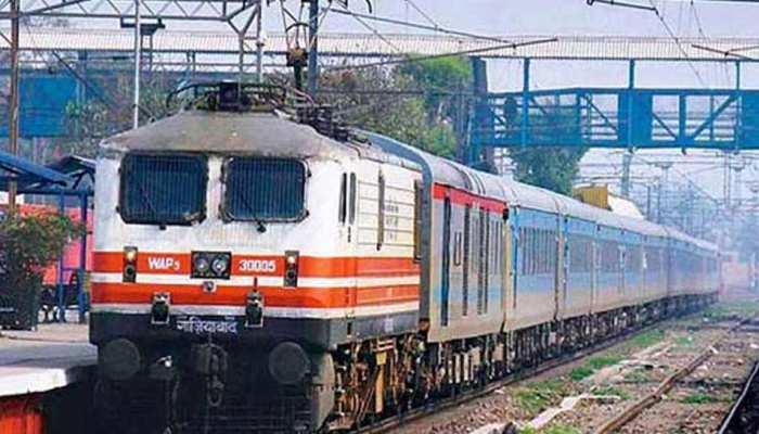 त्योहारों पर यात्रियों को रेलवे ने दिया ये तोहफा, परिजनों तक पहुंचना होगा आसान