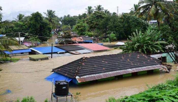 बारिश से बर्बाद केरल में जिंदगी को पटरी पर लाने की कोशिश