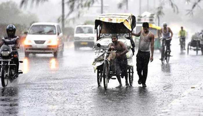 दिल्ली-एनसीआर में झमाझम बारिश, लोगों को उमस और गर्मी से मिली राहत