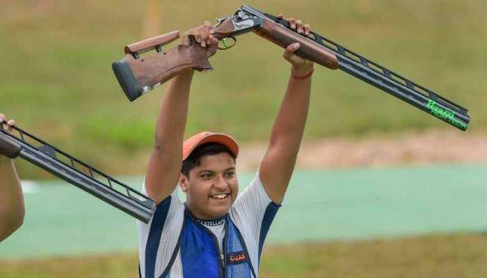 Asian Games 2018: 15 साल के शूटर शार्दुल 1 अंक से गोल्ड चूके, डबल ट्रैप में सिल्वर मेडल जीता