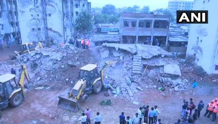 अहमदाबाद में दो इमारतें गिरीं, 4 लोगों को बचाया गया, 5 के दबे होने की आशंका