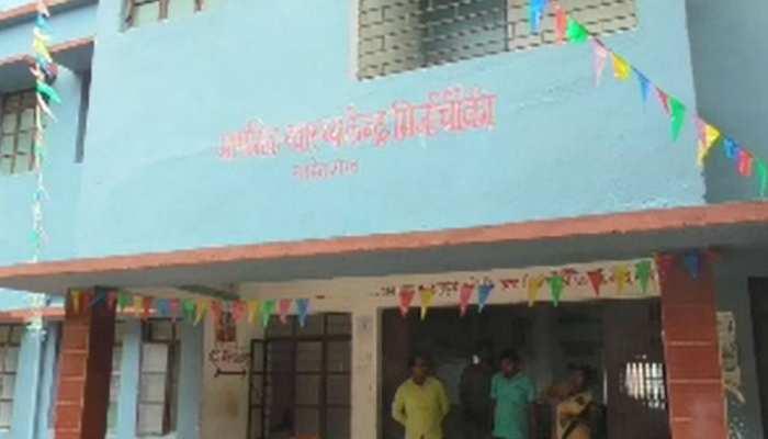 साहिबगंज: कभी इस प्राथमिक केंद्र को मिला था अवार्ड, अब मरीजों के लिए एक डॉक्टर नहीं