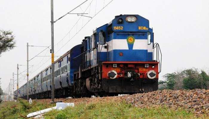 बक्सर : ट्रेन की चपेट में आने के बाद बाल-बाल बची महिला, सदर अस्पताल में भर्ती