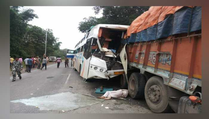 Bus collides with truck, 4 dead in the accident