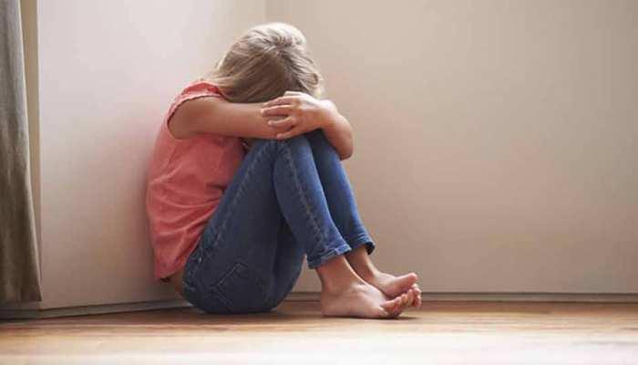 अवसाद के शिकार बच्चों को होती है बातचीत और पढ़ाई करे में परेशानी