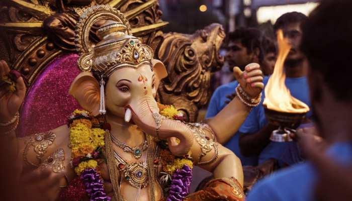 मोदकों की झांकी के साथ मोतीडूंगरी गणेश मंदिर में शुरु गणपति जन्मोत्सव