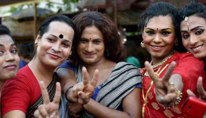 कौन है धारा 377 पर कानूनी जंग जीतने वाली LGBT कम्युनिटी, जानें उनके बारे में