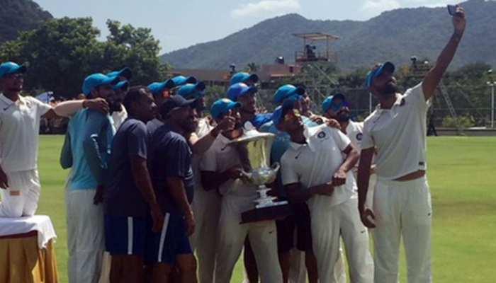 दलीप ट्रॉफी : मौजूदा चैम्पियन इंडिया रेड को हराकर इंडिया ब्लू ने जीता खिताब