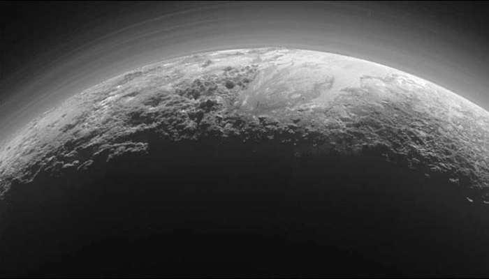 वैज्ञानिकों ने कहा- प्लूटो को दोबारा मिले ग्रह का दर्जा, गलत तरीके से किया गया था अलग