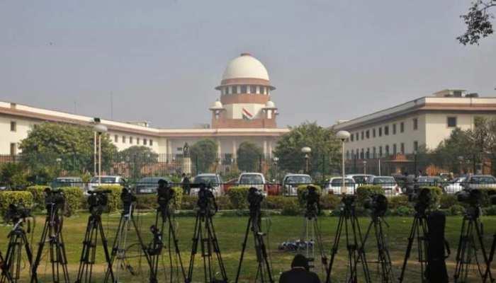 सीलिंग के बाद दिल्ली के लिए सुप्रीम कोर्ट का एक और बड़ा आदेश, कहा- अवैध फैक्ट्रियां बंद की जाएं