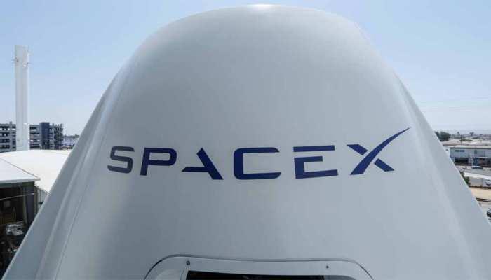 चांद पर लोगों को भेजेगा स्पेस-एक्स, एक शख्स के साथ किया करार