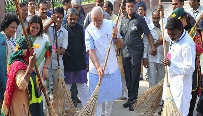 शनिवार को पीएम मोदी शुरू करेंगे 'स्वच्छता ही सेवा' मुहिम, देश की कई नामचीन हस्तियां भी करेंगी योगदान