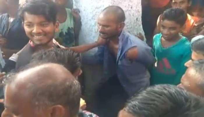 नालंदाः चोरी और छेड़खानी के आरोप में पेड़ से बांधकर युवक की पिटाई