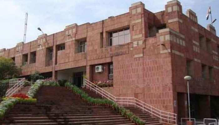 JNU छात्रसंघ चुनाव: हंगामे के बाद रोकी गई मतगणना, ABVP कार्यकर्ताओं पर तोड़फोड़ का आरोप