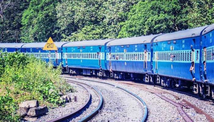 नई दिल्ली रेलवे स्टेशन से गुजरने वाली रेलगाड़ियां रहेंगी प्रभावित, दैनिक यात्रियों की बढ़ेगी मुश्किल