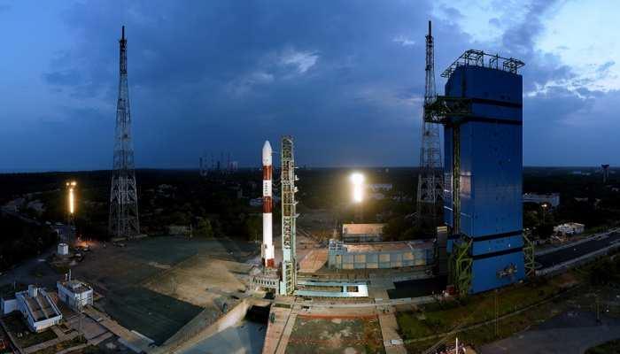 VIDEO: आज इतिहास रचने को तैयार है ISRO, यहां देखिए PSLV-C42 की लाइव लॉचिंग