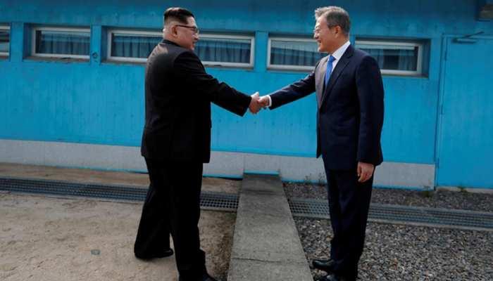 दक्षिण कोरिया के 93 अधिकारियों का दल उत्तर कोरिया के लिए रवाना