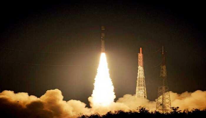 इसरो ने PSLV-S42 से 2 विदेशी सैटेलाइट अंतरिक्ष में स्थापित किए, पीएम मोदी ने दी बधाई