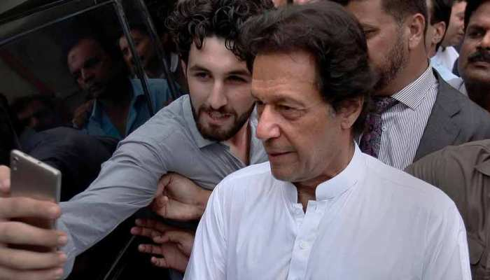 INDvsPAK: पिछली बार पाकिस्तानी टीम के लिए 'पनौती' बने थे इमरान खान, इस बार क्या करेंगे?