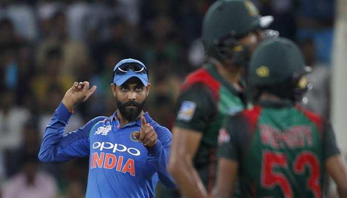 PICS: भारत-बांग्लादेश के 'बोरिंग' मैच में कैमरामैन ने कैद की मजेदार तस्वीरें, अब हो रहे ट्रोल