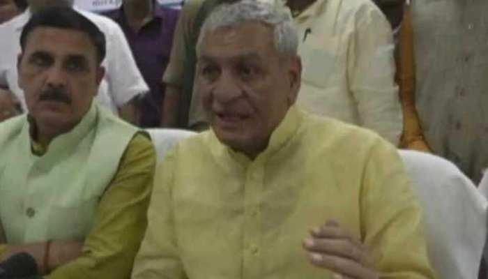 योगी के मंत्री बोले, 'देश के स्वाभिमान के लिए महंगाई की मार को झेलते रहना चाहिए'