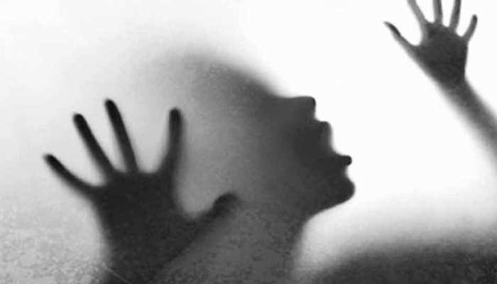 दिल्ली : पार्क में महिला का यौन उत्पीड़न, शिकायत दर्ज कराने पहुंची थाने तो पुलिसवाले हंसने लगे