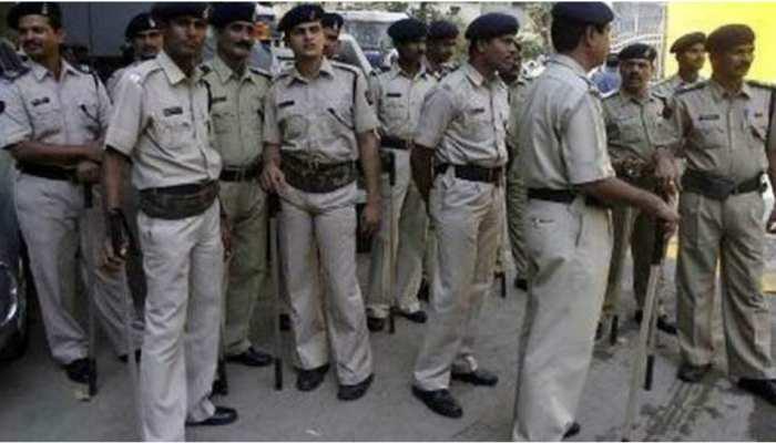 मोतिहारी: ढाका में जुलूस के दौरान आपस में भिड़े दो पक्ष, पुलिस जवान सहित एक दर्जन घायल