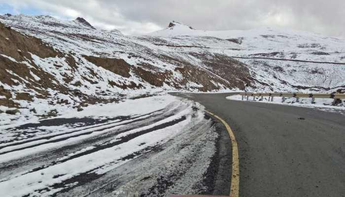 Photos of snowfall in Kargil Kashmir India