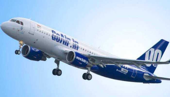 हवा में था विमान, तभी टॉयलट की जगह बाहर निकलने का दरवाजा खोलने लगा यात्री