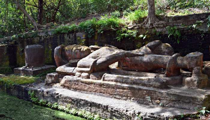 Bandhavgarh fort where Lord Vishnu resting for 2 thousand years, see  picture