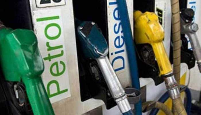 पेट्रोल-डीजल के दामों में कटौती को शिवसेना ने बताया, 'बहुत देर से उठाया गया कदम'