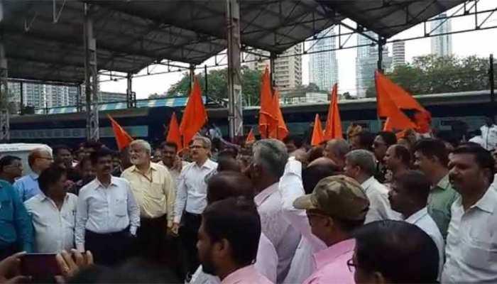 रेलवे भर्ती बोर्ड परीक्षा को लेकर शिवसेना ने फिर छेड़ा भूमि पुत्र बनाम परप्रांतीय विवाद