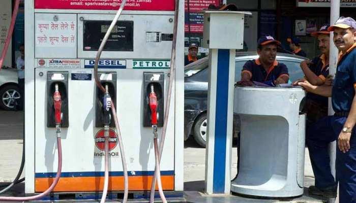 दिल्ली और मुंबई में 18 पैसे/लीटर महंगा हुआ पेट्रोल, ये हैं आज के दाम